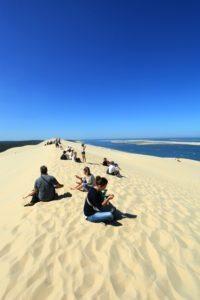 Pause en famille en haut de la Dune du Pilat