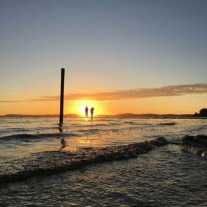 Coucher de soleil à deux sur le Bassin d'Arcachon - Photo d'Emmanuel Fazembat