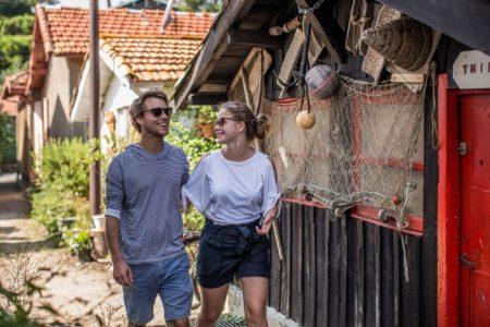 Promenade à pied dans un village ostréicole de Lège Cap Ferret